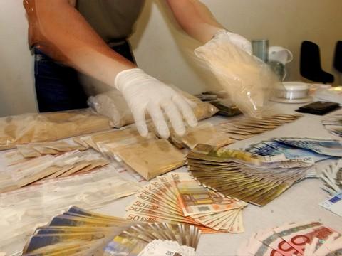 """Résultat de recherche d'images pour """"trafic de marijuana - 216 kilos"""""""