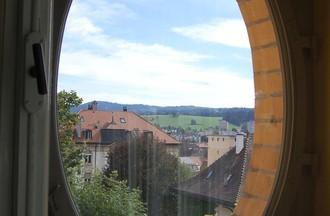 Les fameuses fenêtres ovales d'une salle de bains