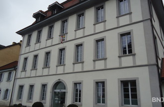 L'hôtel de commune qui abrite l'administration communale de St.-Blaise