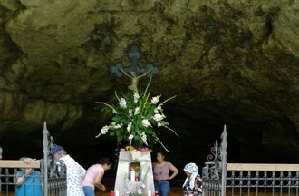 La grotte Ste-Colombe à Undervelier pour la journée des malades. Merci Jean-Claude
