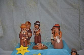 Crèche péruvienne dans une vitrine à Bassecourt