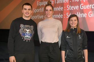 Valentin Nussbaumer (espoir masculin), Ségolène Girard (sportive de l'année) et Jade Surdez (espoir féminin)