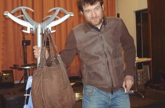 Olivier de Benoist... devant un sac de dames... 50 kg à vide !
