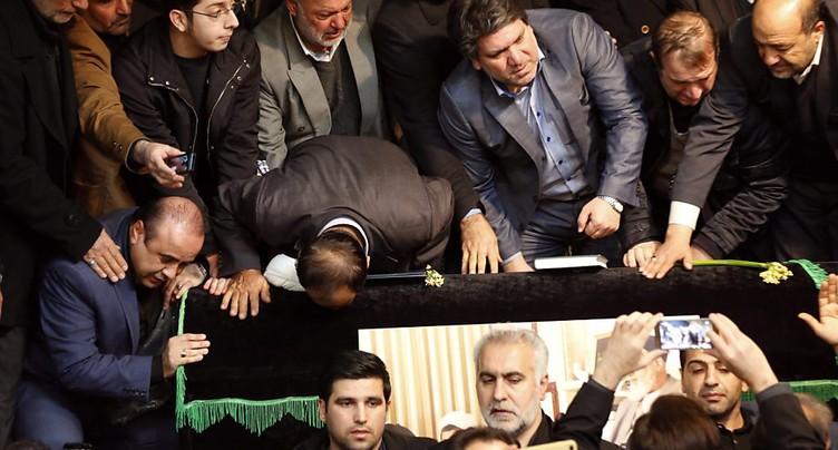 Une foule immense pour les funérailles de Rafsandjani