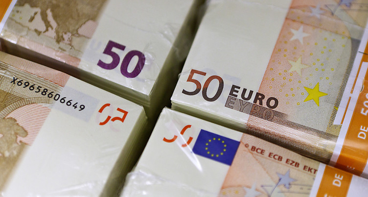 Un homme trouve 28'000 euros dans la neige à Zurich