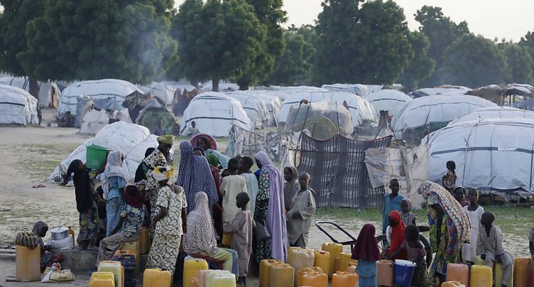 Un avion frappe « la mauvaise cible » et fait au moins 50 morts dans un camp au Nigeria