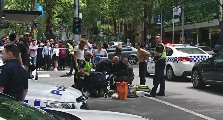 Un véhicule fonce dans la foule à Melbourne, au moins trois morts