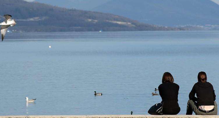 Niveaux des lacs du pied du Jura historiquement bas