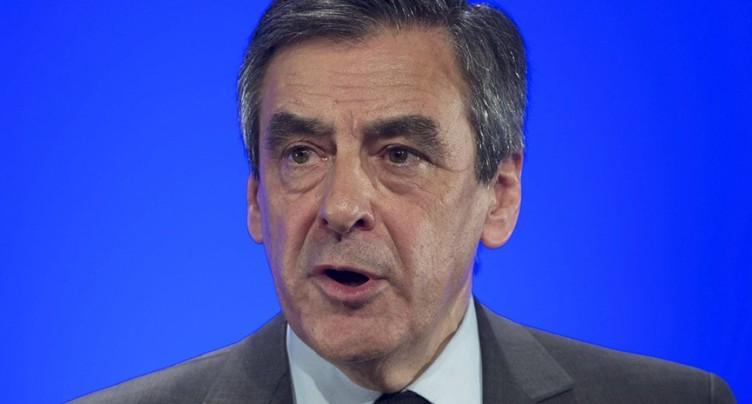 Les Républicains expriment leur « soutien unanime » à Fillon
