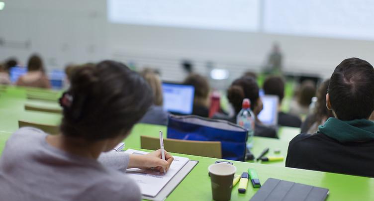 Le Conseil fédéral ne veut pas trop subventionner les étudiants