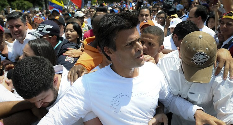 Le Venezuela réplique à Trump par un coup dur à l'opposition