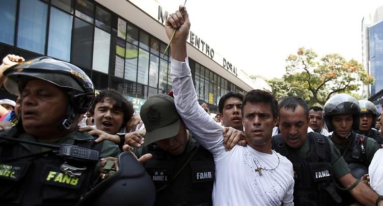 L'opposant vénézuélien Lopez appelle à manifester depuis sa cellule