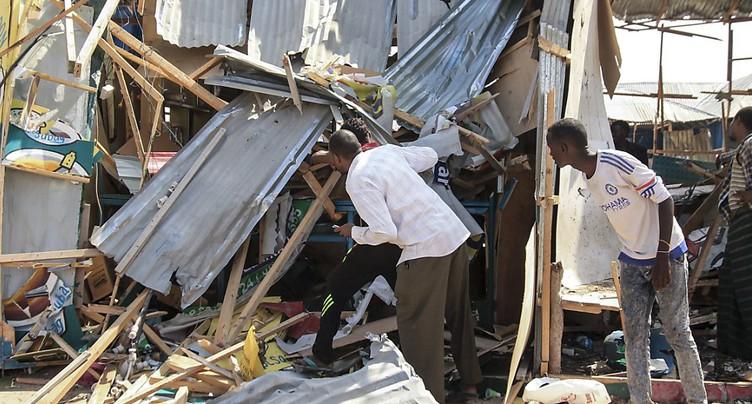 Attentat à Mogadiscio: au moins 39 morts