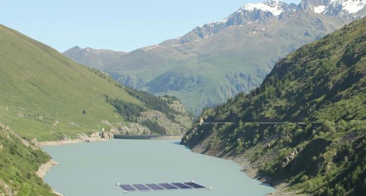 Un projet de centrale solaire couplée à un barrage en Valais