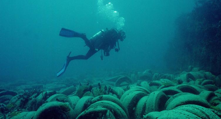 Vêtements et pneus provoquent en partie la pollution des océans