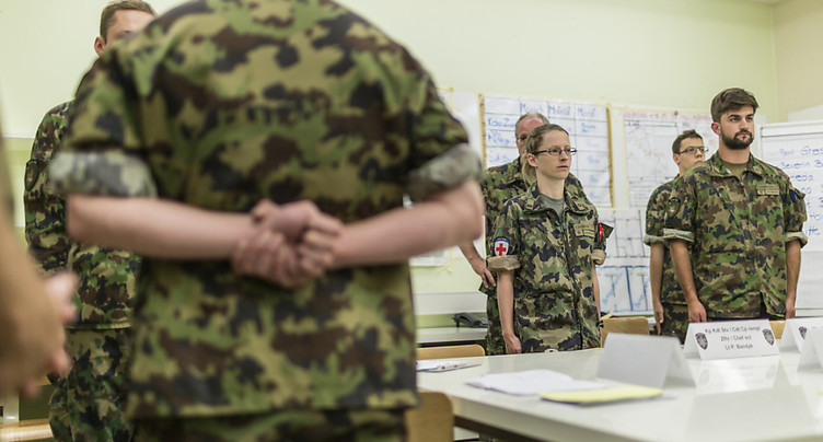 L'armée suisse veut recruter plus de femmes