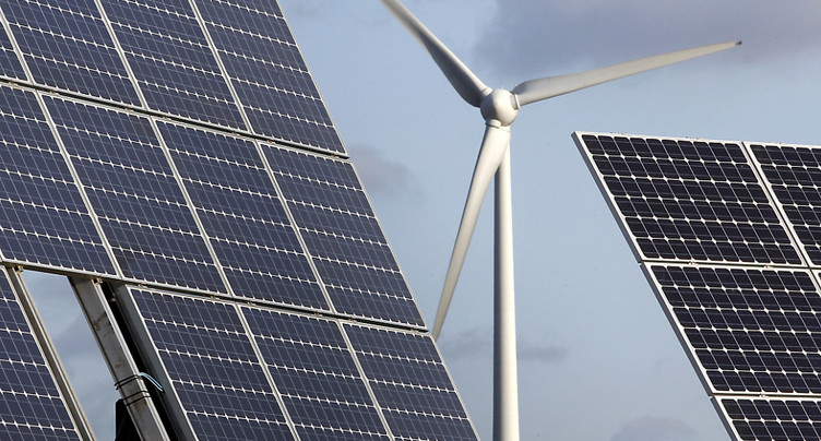 Stratégie énergétique: taxer le CO2 reviendrait moins cher que de subventionner