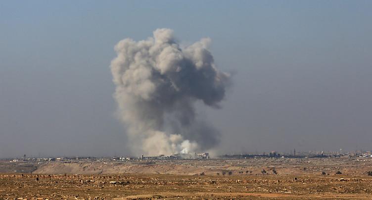 Des civils commencent à fuir les faubourgs de Mossoul-Ouest