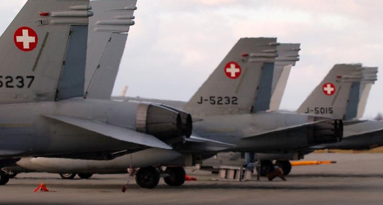 Durée de vie des FA-18 prolongée en attendant les nouveaux jets