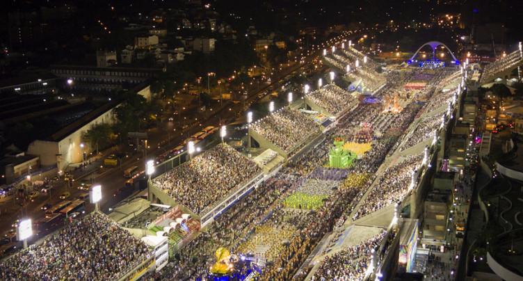 Deux accidents graves gâchent la fête du carnaval de Rio