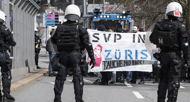 100 ans de l'UDC ZH: la police arrête une centaine de manifestants