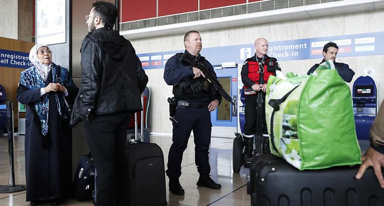 La reconnaissance faciale préconisée dans les aéroports