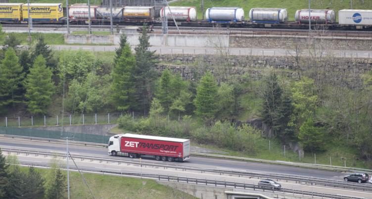 Moins d'un million de camions ont franchi les Alpes en 2016
