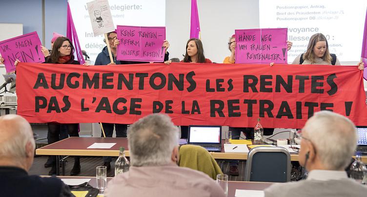 La gauche divisée lance un référendum contre la réforme