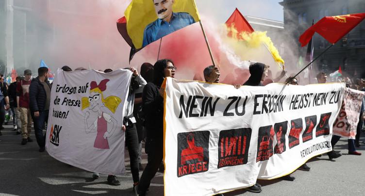 Une banderole anti-Erdogan brandie à Berne indigne Ankara