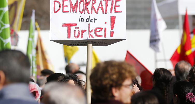 Erdogan critique la Suisse dans un discours en Turquie