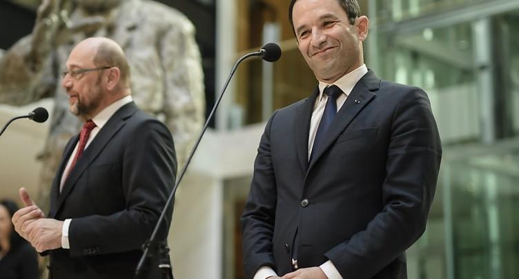 Benoît Hamon rencontre la chancelière allemande à Berlin