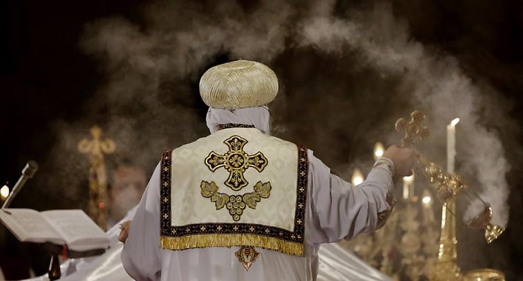 Les coptes d'Egypte limitent les célébrations de Pâques après les attentats