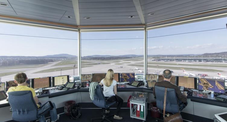 La fusion du contrôle aérien civil et militaire laisse à désirer