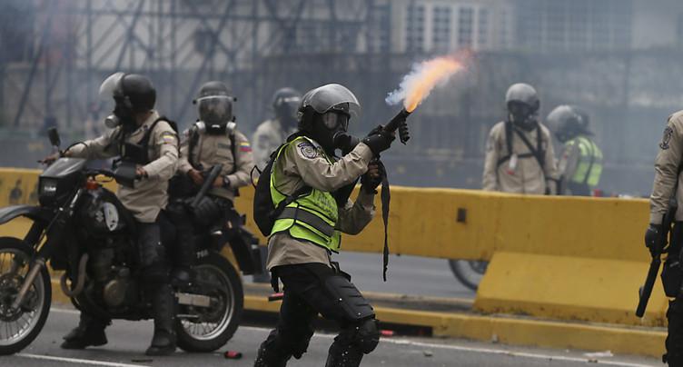 Heurts au Venezuela, des milliers d'opposants à nouveau dans la rue