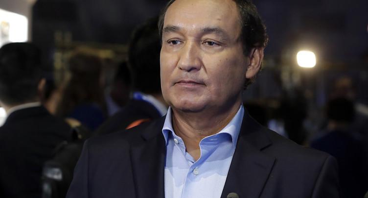 Evacuation forcée: chef de United Airlines privé de la présidence