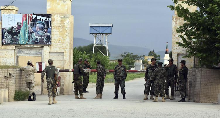 Au moins 140 morts dans l'attaque d'une base de l'armée afghane