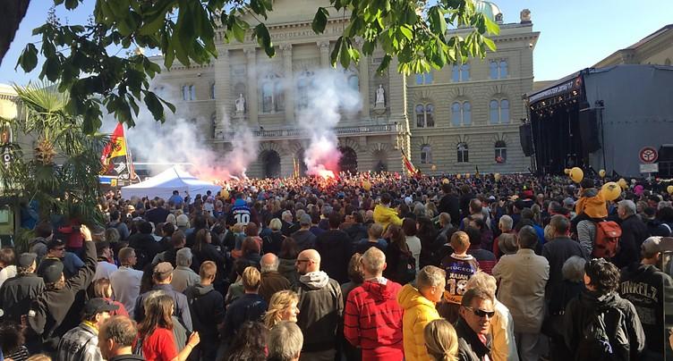 Entre 20'000 et 30'000 supporters fêtent le titre du CP Berne