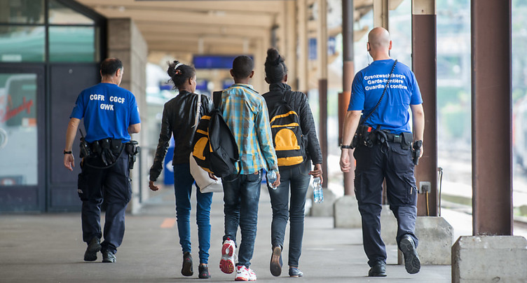 Les autorités tessinoises attendent un afflux de migrants cet été
