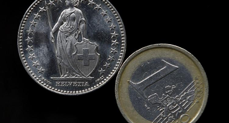 Le franc tombe à un plus bas de cinq mois face à l'euro