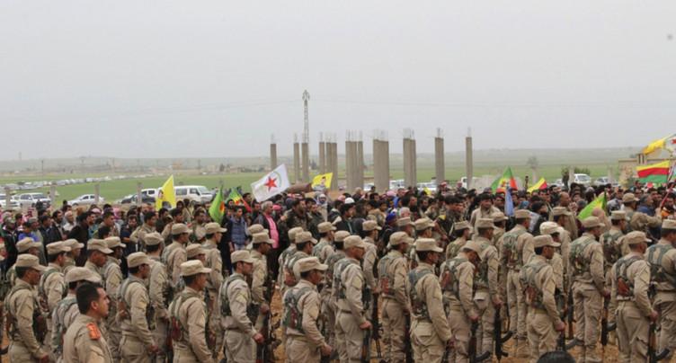 Une force arabo-kurde avance vers Raqa, capitale de l'EI en Syrie