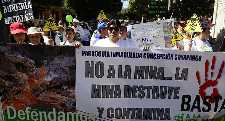 Le Salvador interdit les mines de métaux, première mondiale