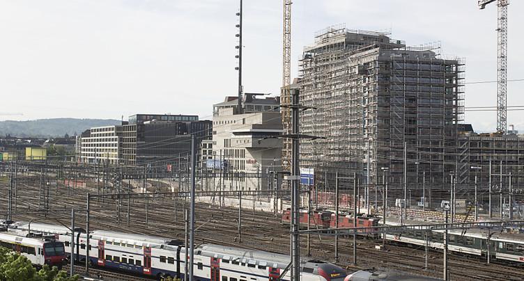 Un homme brise toutes les vitres de trois trains à Zurich