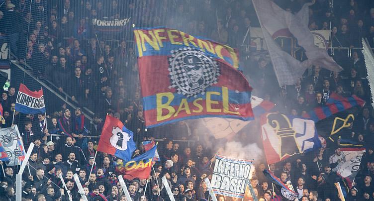 Des milliers de fans célèbrent le 20e titre du FCB à Bâle