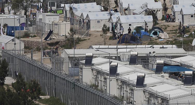 Grèce: Mme Sommaruga visite un « hotspot » sur l'île de Lesbos