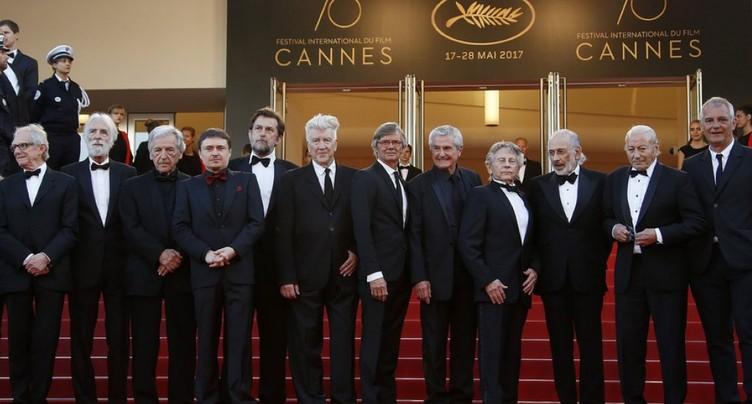 Festival de Cannes: le tapis rouge se couvre de stars « palmées »