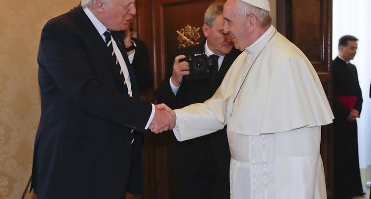 Le pape François demande à Trump d'être un homme de paix