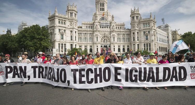 Manifestation massive à Madrid pour « la dignité » de l'emploi