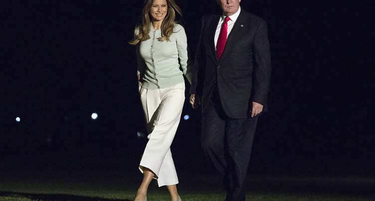Trump rentre à Washington où l'affaire russe a pris de l'ampleur