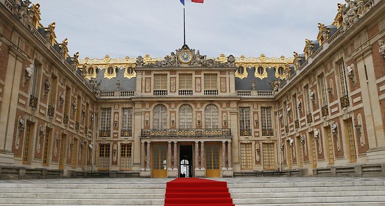 Poutine est arrivé en France et va rencontrer Macron