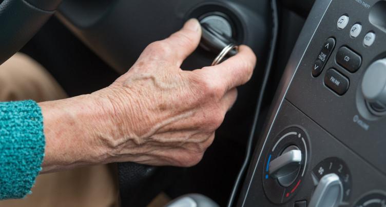 Les seniors tendent à surestimer leur comportement au volant